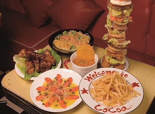 人気の『30センチバーガー』は要予約!盛り上がり◎!同じく大きな『でーじしかます上等バーガー』も!