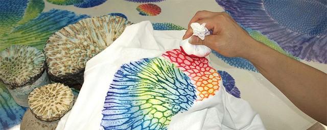 沖縄で古くから幸せを呼ぶといわれるサンゴ サンゴの化石から作る、自分だけの美しい染物